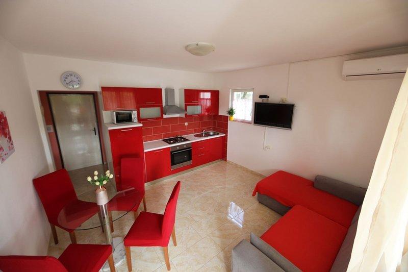 Ferienwohnung 4360-1 für 5 Pers. in Lopar, holiday rental in Lopar