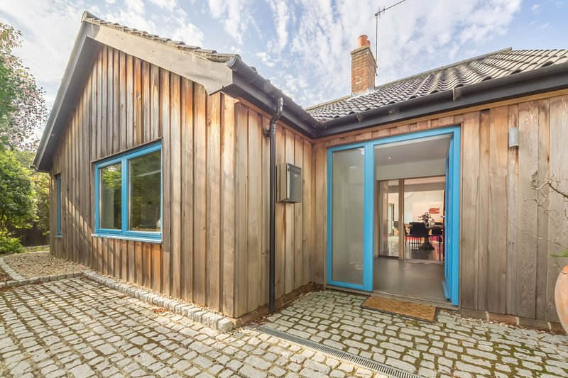 Helgon Lodge, vacation rental in Salthouse