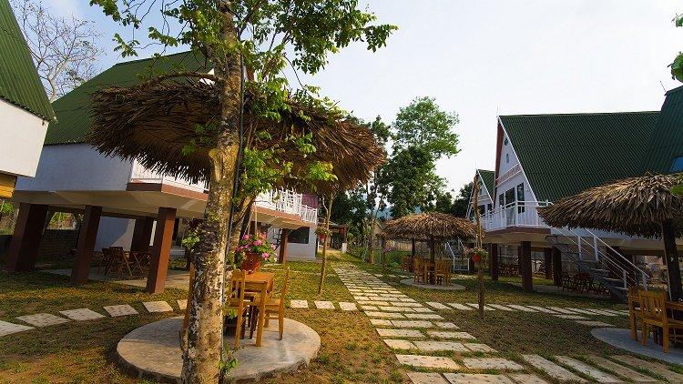 Carambola Bungalow 04 - 1 Queen bed with Garden and mountain views, location de vacances à Phong Nha
