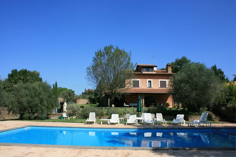 VILLA IRIS, holiday rental in Corchiano