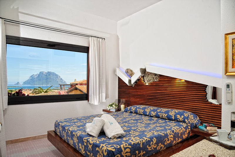 CREATIVE DESIGN - L'Ea di Lavru Residence - Apt 3, vacation rental in Porto Rafael