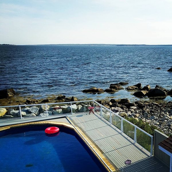 Relaxing Oceanfront Retreat, holiday rental in Port Medway