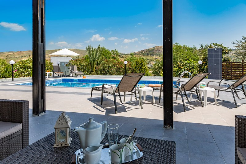 Alexs Villa Nata, Paphos- Secluded Single Storey Villa with Private Pool, holiday rental in Paphos District