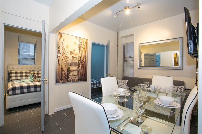 Washington Heights Stunning 4 Bedroom, vacation rental in Riverdale