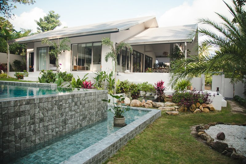 Super luxurious and cosy modern villa