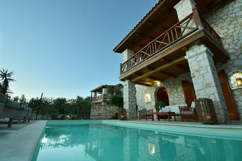 Jootiq Villas - Villa Elektra, holiday rental in Akrotiri