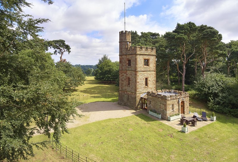 The Knoll Tower, holiday rental in Stafford