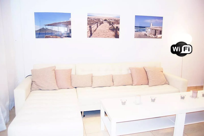 A 250 metros de la playa + WiFi, vacation rental in Garrucha