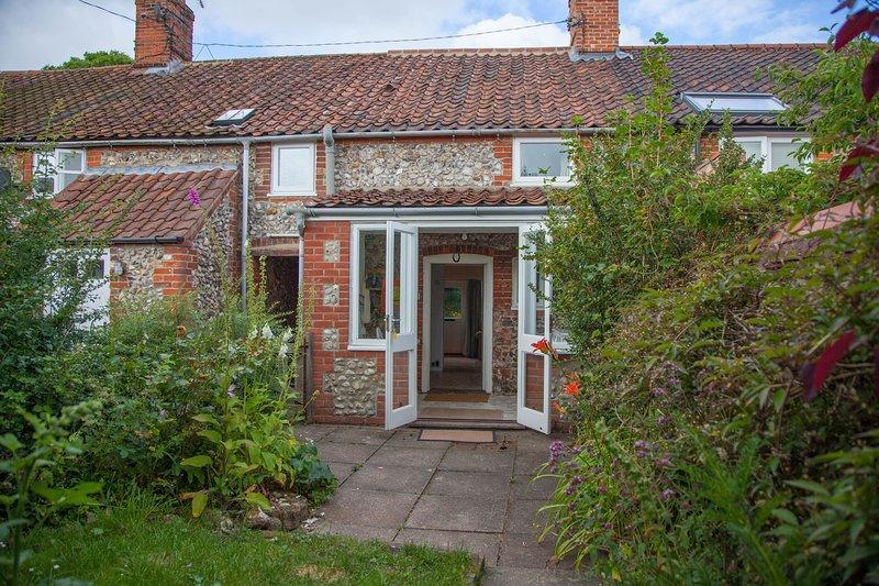 Poppy Cottage, holiday rental in Warham