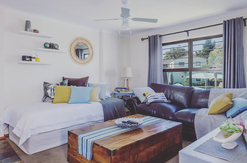 Waikiki Villa - Your Home Away From Home, vacation rental in Table Mountain National Park