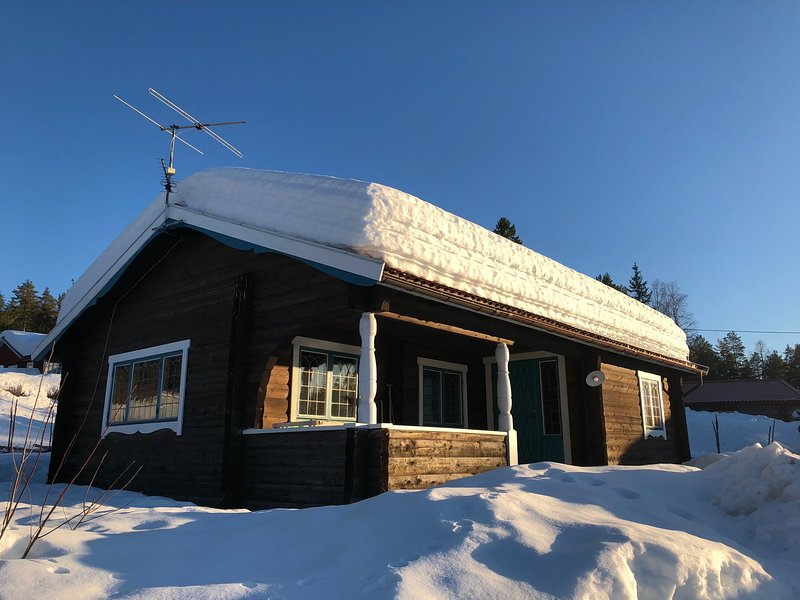 Ski cottage by Vasaloppet, vacation rental in Mora