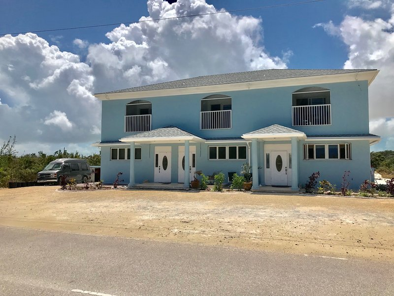 Eagles Rest Villa's Townhouses, Middle Caicos, holiday rental in Bambarra
