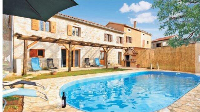 Authentic Istrian Stone House Villa Katarina, holiday rental in Nedescina