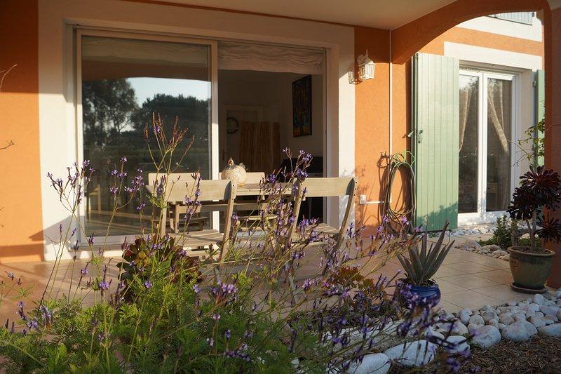 T2 sainte Maxime: Le logis du mimosa, holiday rental in Sainte-Maxime