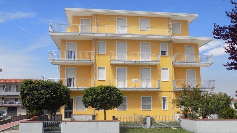 Trilocale in zona centrale, location de vacances à Ceggia