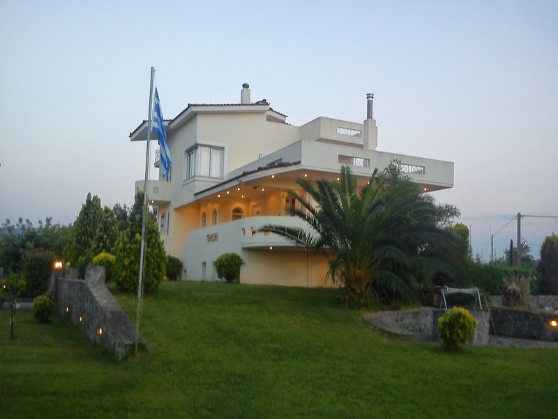 Agiokampos Luxurious Resort, holiday rental in Gialtra