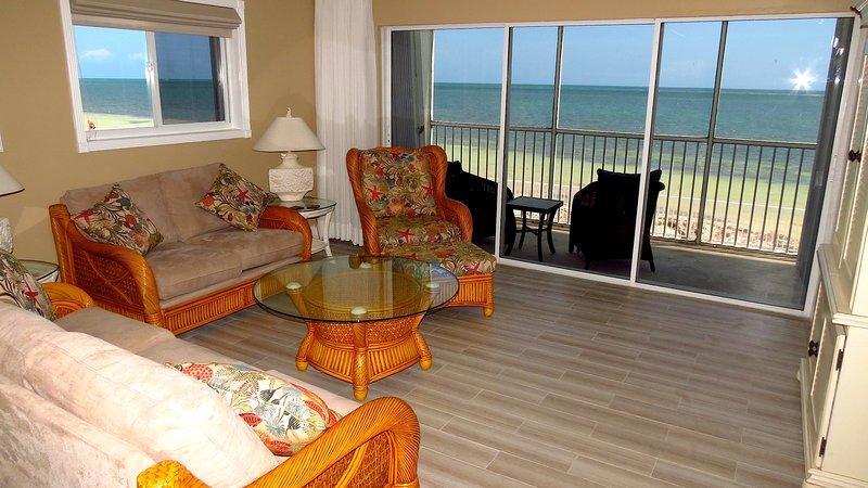 Amazing Ocean View Condo on the Beach!, alquiler de vacaciones en Marathon