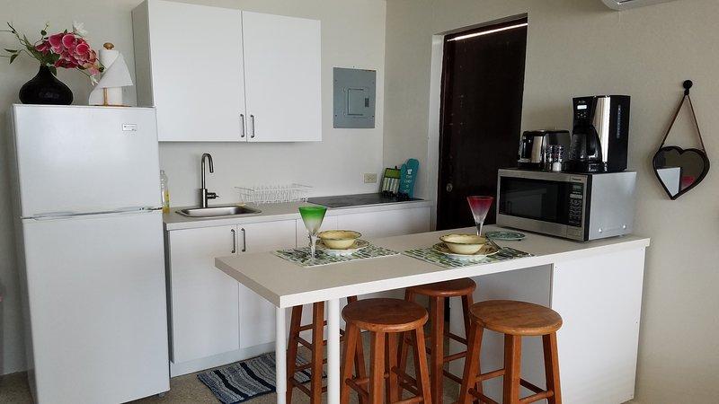 Nouvelle cuisine pour votre facilité de cuisson ou apporter sortir de beaucoup de restaurants à proximité.