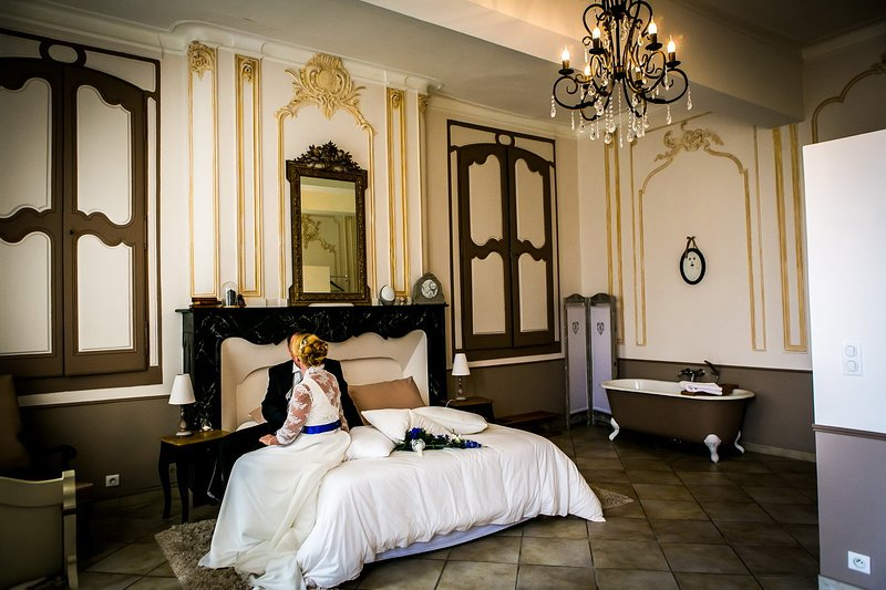 In Fashion, Bridal Suite ...