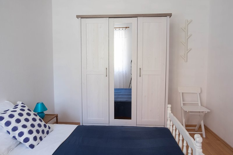 Villa Mirjana Garden View Studio, holiday rental in Klenovica