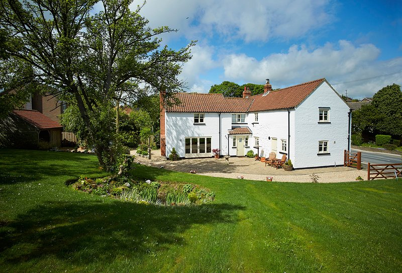 The White House, holiday rental in Skidby
