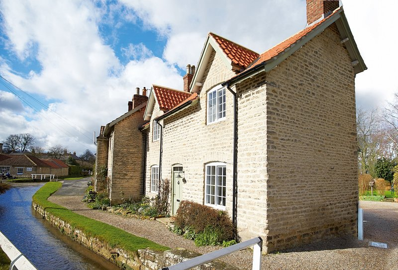 Harwood Cottage, holiday rental in Hovingham