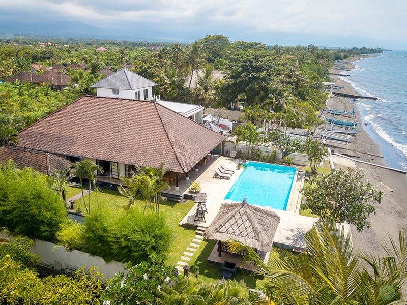 Villa lussuosa e spaziosa con piscina privata e vista ampia sull'oceano