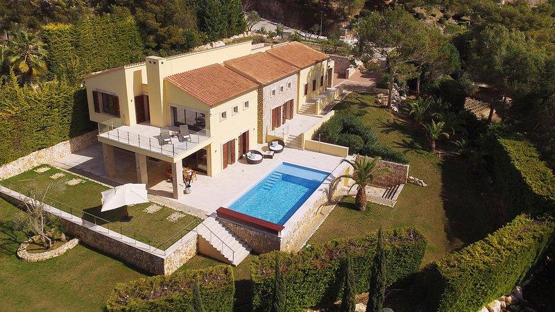Villa Amber by Cap Vermell Estate, holiday rental in Font de Sa Cala
