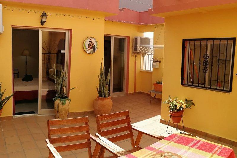 Terrace Paradise in Central Alicante, aluguéis de temporada em Castell de Castells