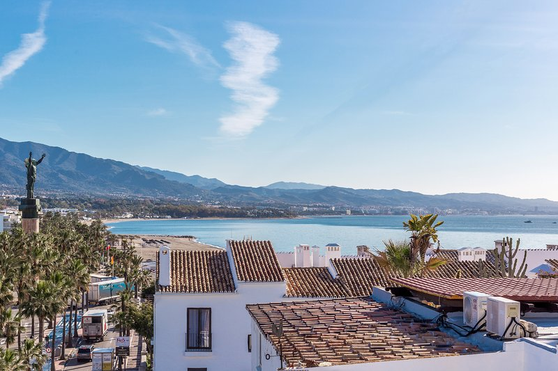 Sea views from living room over Marbella bay, 2 bedroom apartment for rent costa del Sol