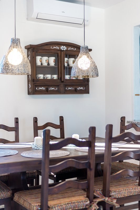 Formal dining area for 6 people 2 bedroom apartment for rent Costa del Sol