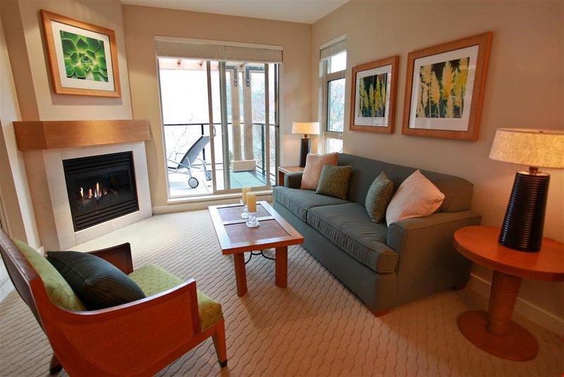 Diese schicke Villa verfügt über moderne Möbel und stilvolle Einrichtung
