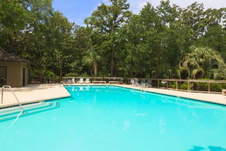 Inlet Cove is the best area to stay on Kiawah Island if you want access to a community pool, boat dock & beach.