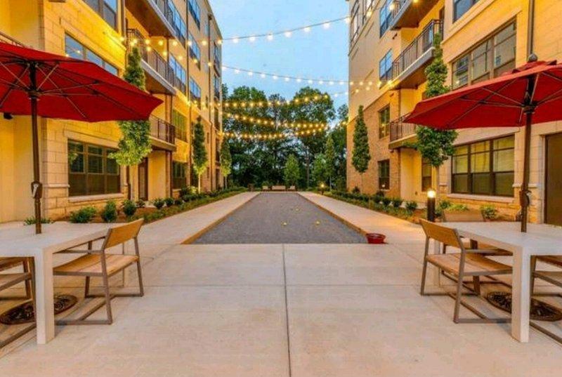 Mediterranean Charm in Buckhead/Vinings Area, holiday rental in Atlanta
