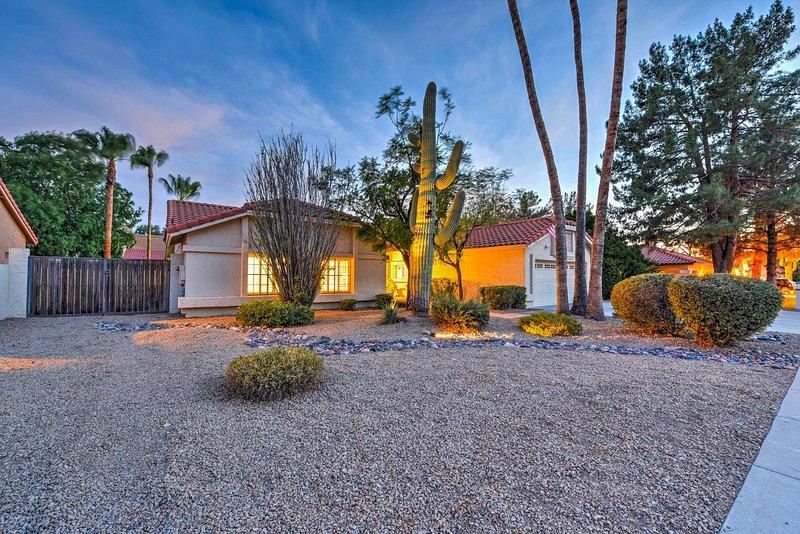 Descubre un lujoso refugio en el desierto en esta casa de Scottsdale de 4 dormitorios y 2 baños.
