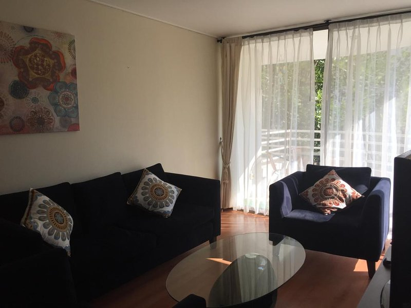 Great apartment close to mall Costanera, holiday rental in Nunoa