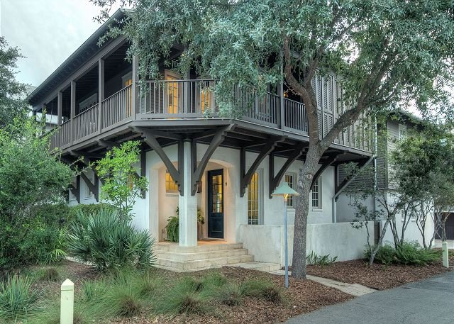 Welcome to the Blue Heron Cottage & Carriage House