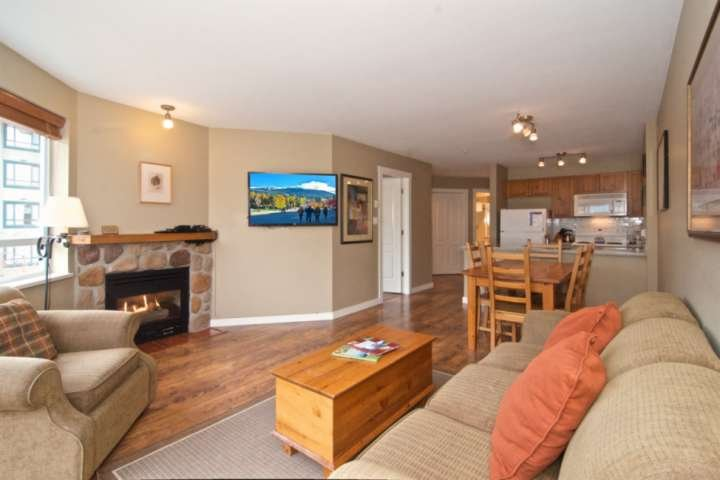 Professionally managed and cleaned by iTrip Vacations: Walk-able  to everything!, holiday rental in Whistler