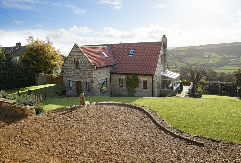 RedRoofs, holiday rental in Briggswath