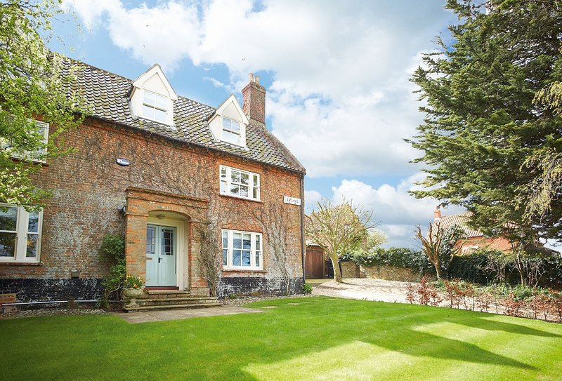 Laylands, holiday rental in Wells-next-the-Sea
