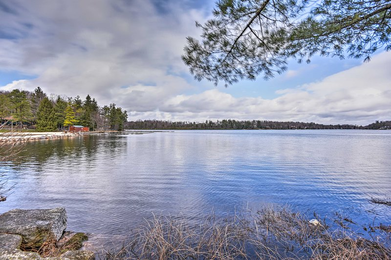 You'll find the shores of Lake Harmony just steps away!