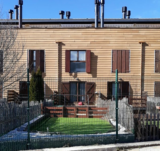 Apartamento Duplex Jardin Villanua Mascotas Perro, vacation rental in Anso