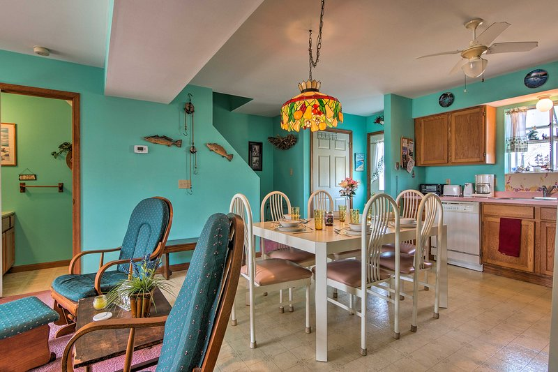 Enjoy home-cooked meals at the 6-person dining table.