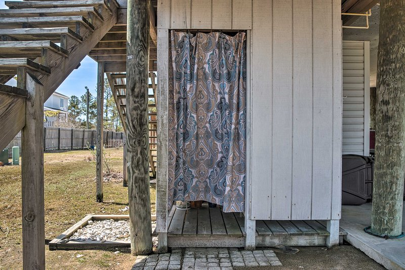Wash off those sandy feet in the outdoor shower.