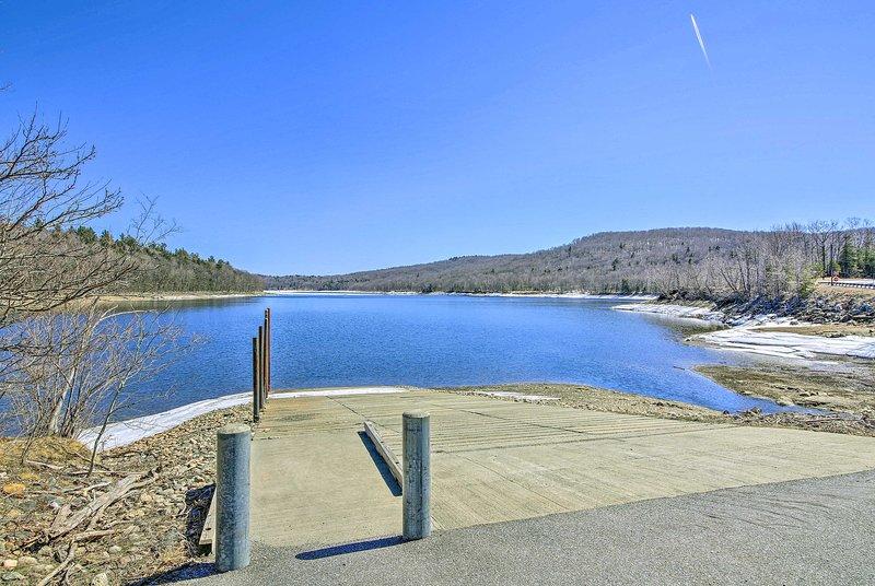 Um dia no lago é a poucos minutos de distância!
