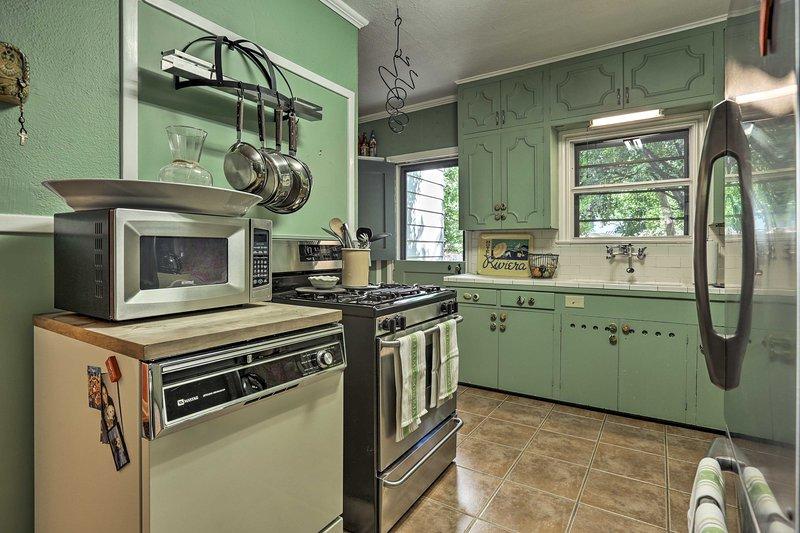 Canaliser votre chef intérieur fer dans la cuisine entièrement équipée.