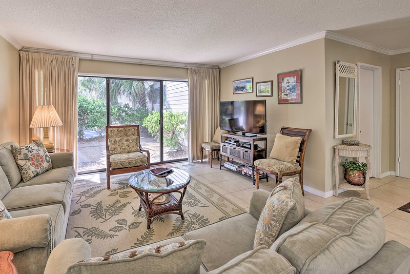 Your Hilton Head holiday awaits you at this 3-bedroom, 3-bath vacation rental.
