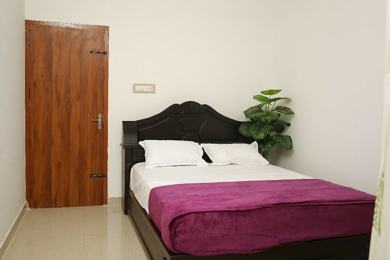 Gems Village Experience Homestay Air-conditioned Apartment near Airport/Rail St, holiday rental in Chalakudy