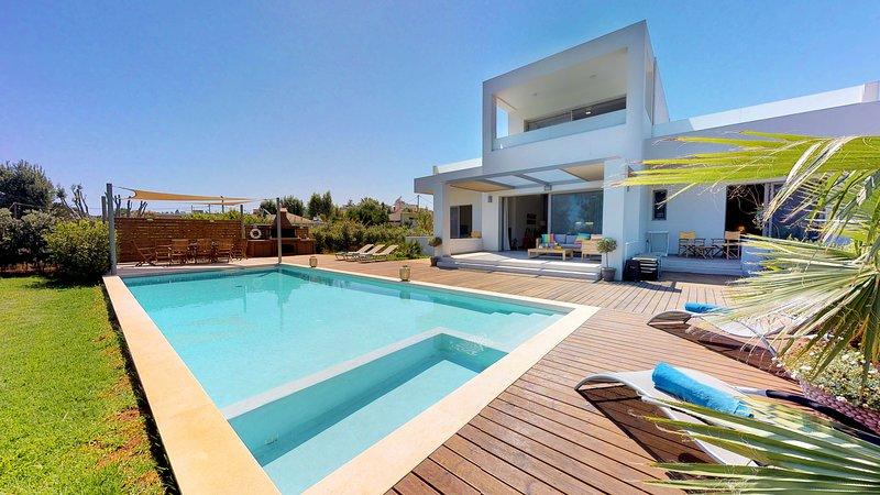 Sea Queen VIP Villa - Agioi Apostoloi Chania Crete, holiday rental in Daratsos