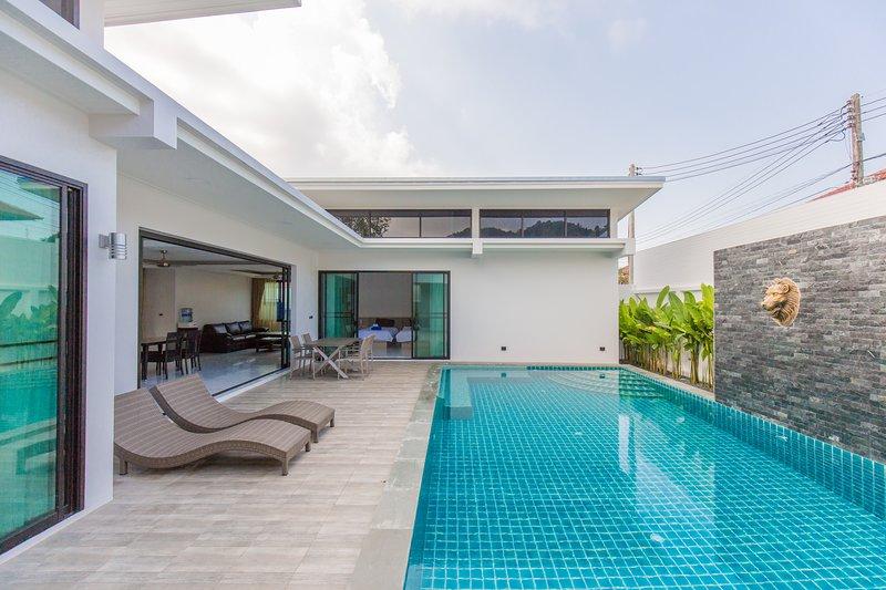 2 Bedrooms Private Pool Villa - Skypool, holiday rental in Ban Trisuk